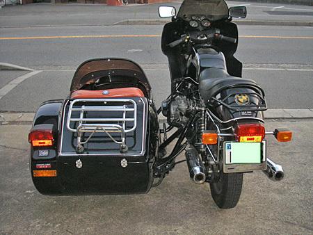 お勧めのサイドカー BMW R100RS+クマガヤ(黒)_e0218639_21382916.jpg
