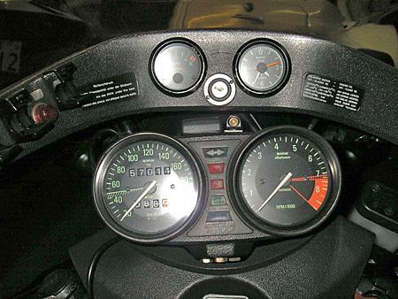 お勧めのサイドカー BMW R100RS+クマガヤ(黒)_e0218639_21384328.jpg