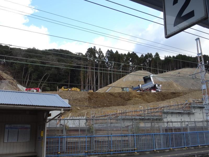 孝子駅の門松撤去・・・みさき里山クラブ  by  (TATE-misaki)_c0108460_21201291.jpg