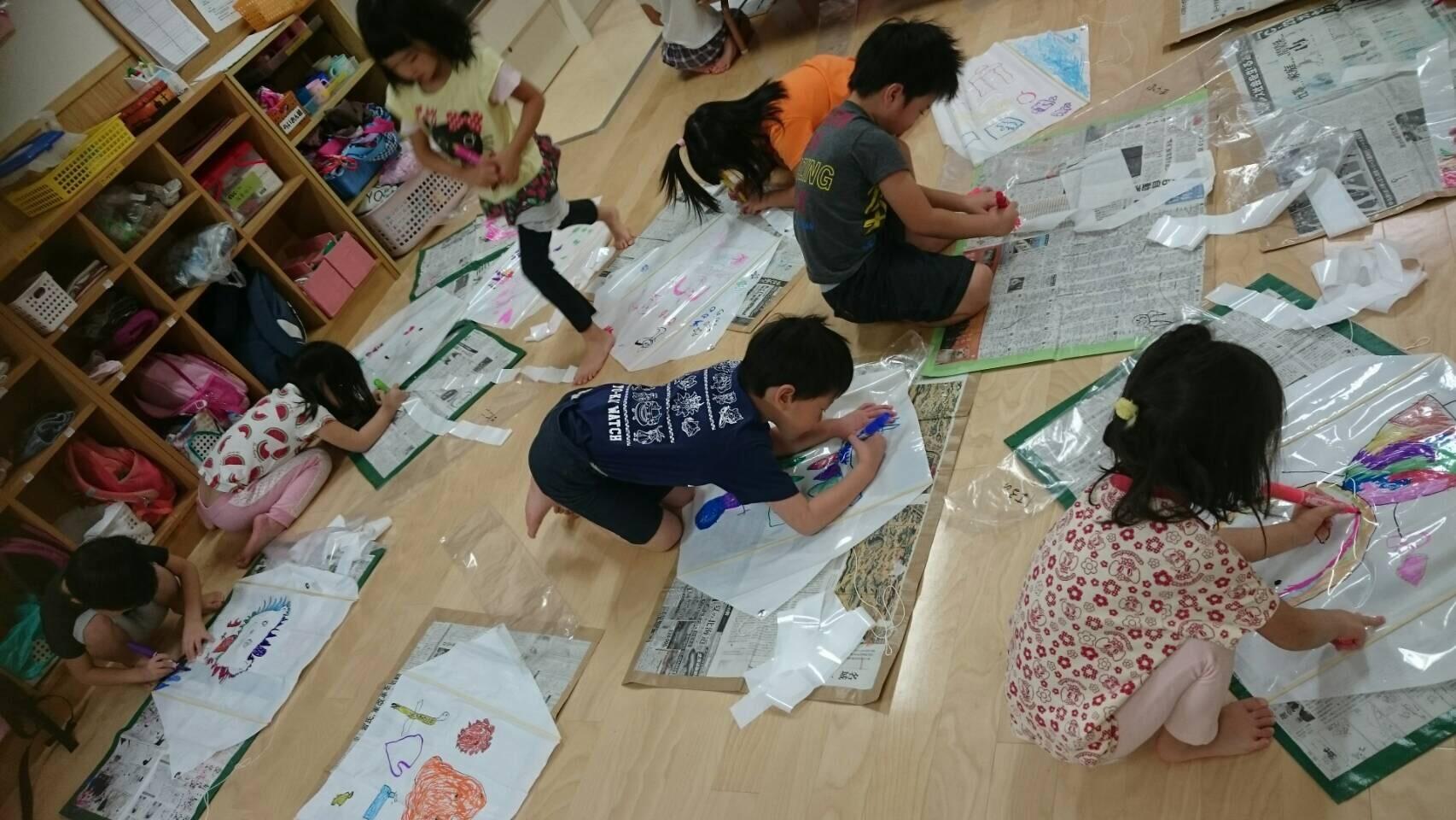 4歳児らいおん組  凧上げしたよ。_c0151262_13035217.jpg