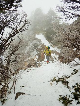 雪の石鎚山登山_e0077899_8424025.jpg