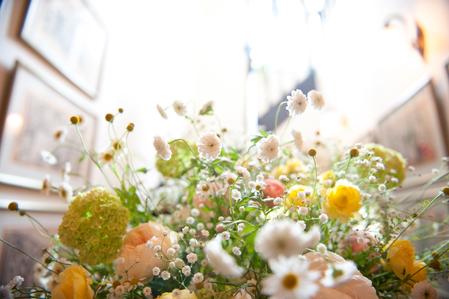 新郎新婦様からのメール 5月の草花と芍薬と シェ松尾松濤レストラン様_a0042928_1916119.jpg