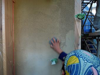 稲田堤の家の外壁はリシンかき落し_c0195909_8606.jpg