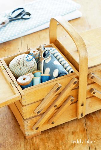antique sewing box  アンティーク ソーイングボックス_e0253364_11465426.jpg