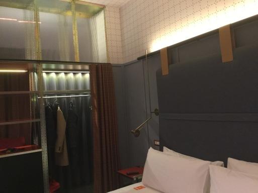 冬のイタリア旅①…ミラノのホテル_b0210699_07023608.jpeg