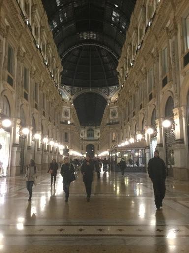 冬のイタリア旅①…ミラノのホテル_b0210699_07095979.jpeg