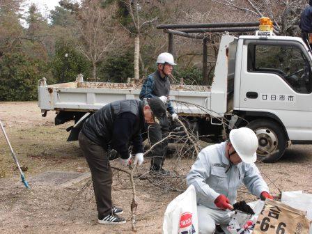 宮島さくら・もみじの会 平成28年度第7回作業_f0229523_10594577.jpg