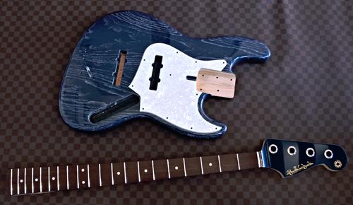 「5弦Bass × 1種と4弦Bass × 1種」の塗装が完了です!_e0053731_15442023.jpg