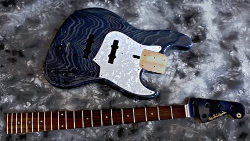 「5弦Bass × 1種と4弦Bass × 1種」の塗装が完了です!_e0053731_15442429.jpg