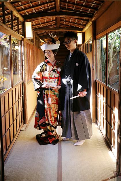 伝統の黒引きスタイルで、麗しの花嫁姿_b0098077_20531002.jpg