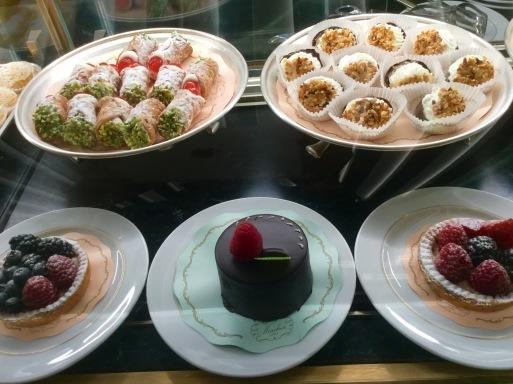 冬のイタリア旅 ④…ミラノでお菓子を召し上がれ_b0210699_08202506.jpeg