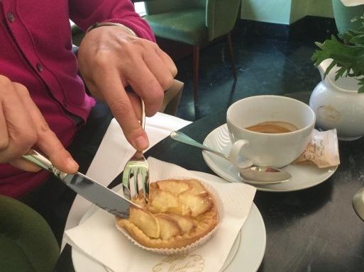 冬のイタリア旅 ④…ミラノでお菓子を召し上がれ_b0210699_08485672.jpeg