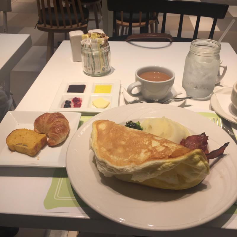 16年11月ハワイ 9★フワッフワのオムレツ@Cafe Lani Hawaii_d0285416_19261599.jpg