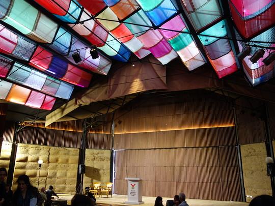 Kochi Muziris Biennale 2,016 その3 スチューデントビエンナーレとか_b0074921_156415.jpg