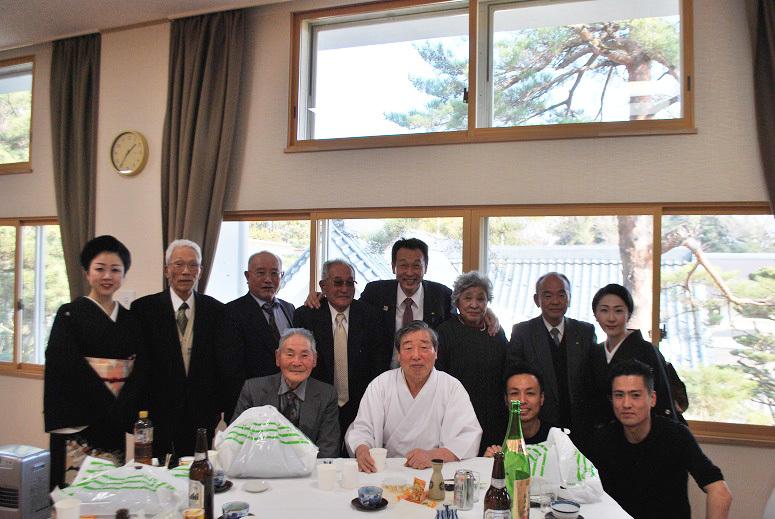 新年参拝と年賀会_f0067122_15285624.jpg