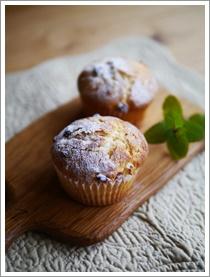杏とクリームチーズのマフィン_b0142989_1771530.jpg
