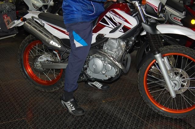 スタッフによるオフロードバイク・どれがオススメ?~足つき比較~_d0099181_14482577.jpg