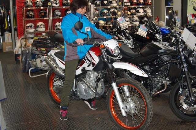 スタッフによるオフロードバイク・どれがオススメ?~足つき比較~_d0099181_1453523.jpg