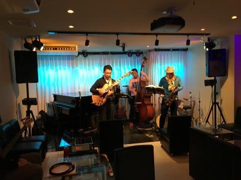 広島  Jazzlive comin 本日土曜日のライブ_b0115606_12252194.jpg