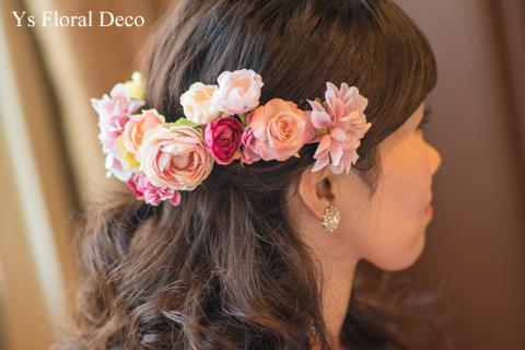 鮮やかなピンクのドレスに合わせるブーケと髪飾り_b0113510_00084981.jpg