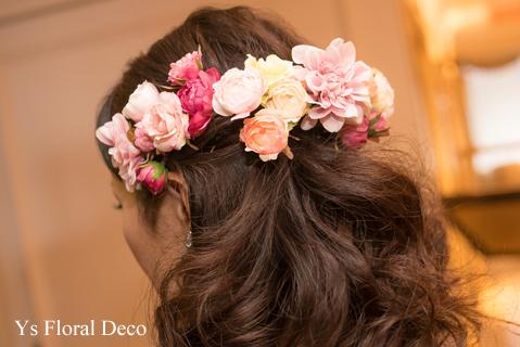 鮮やかなピンクのドレスに合わせるブーケと髪飾り_b0113510_00125473.jpg