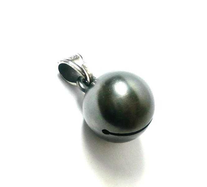黒真珠のような銀の鈴 ペンダントトップ新作_b0364938_16525863.jpg