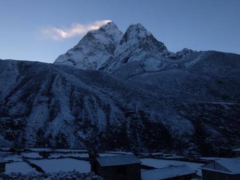 11日目: trekking day9 ディンポチェ(Nangkar Tshang)_a0207588_17082291.jpg