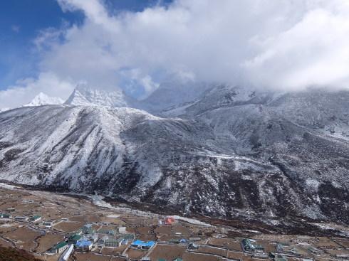 11日目: trekking day9 ディンポチェ(Nangkar Tshang)_a0207588_17142275.jpg
