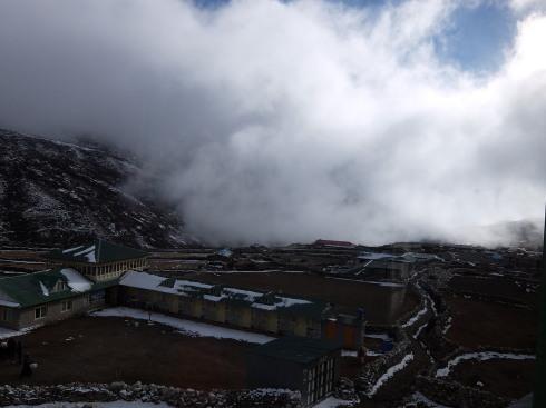 11日目: trekking day9 ディンポチェ(Nangkar Tshang)_a0207588_17170833.jpg