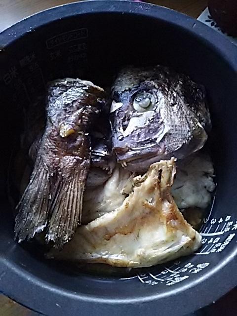 鯛を一尾買いました^^鯛めしを作った!_f0316507_13264397.jpg