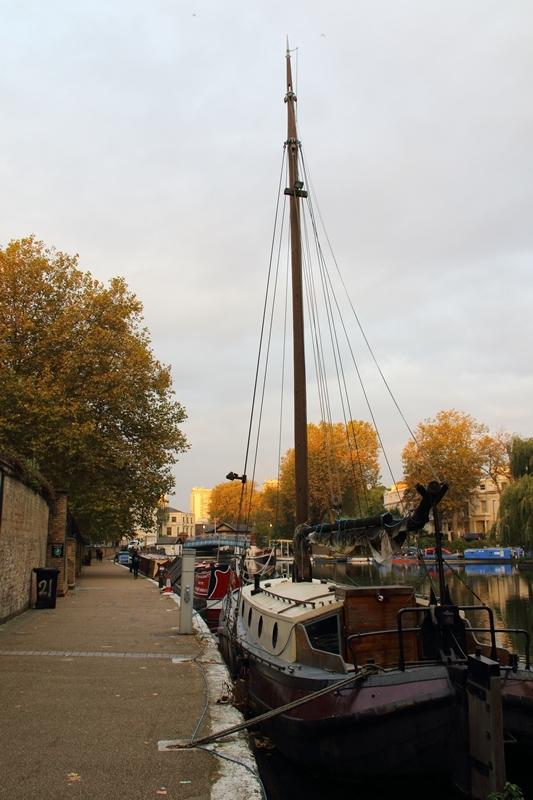 narrow boats_e0364223_19455271.jpg