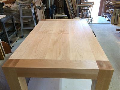 メープル材の食卓テーブル_d0165772_21002772.jpg