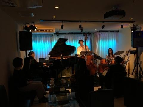 広島  Jazzlive comin  本日月曜日のライブ!_b0115606_11322802.jpg