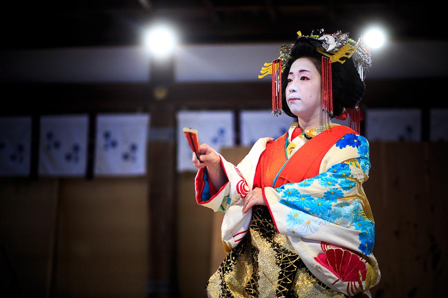 葵太夫の舞! (写真部門)_b0128581_19104158.jpg