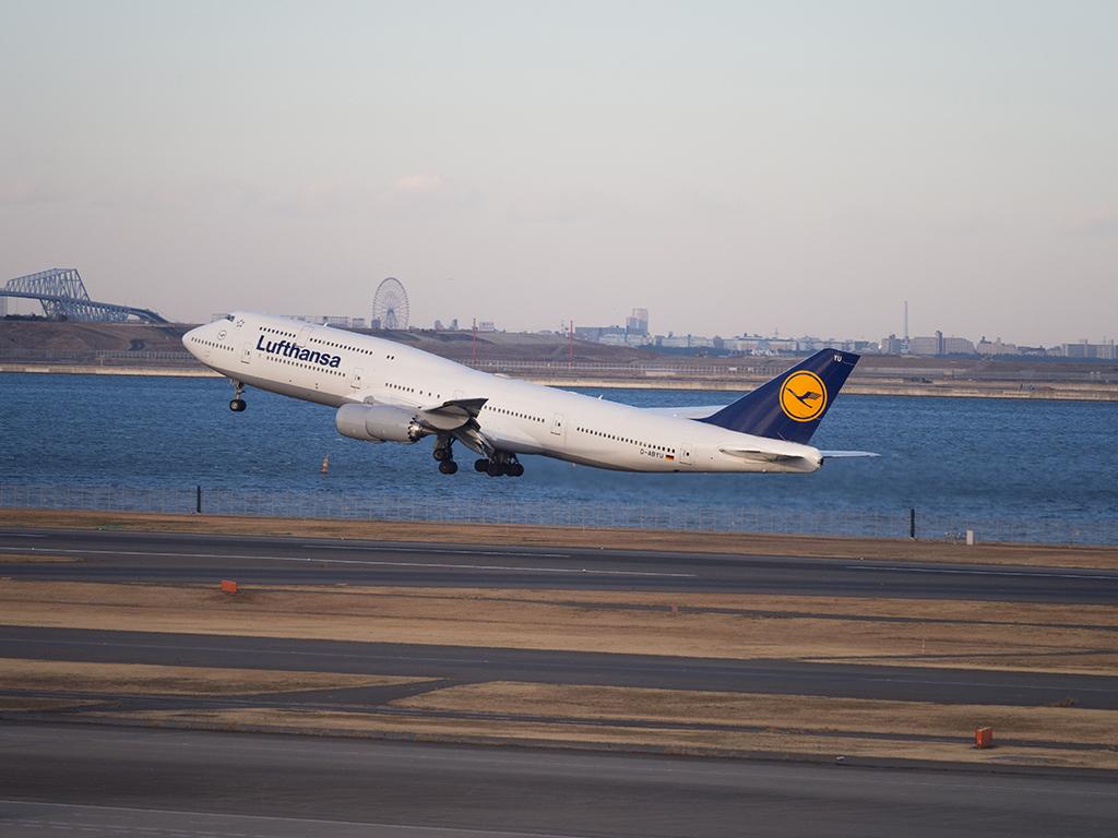 冬の羽田空港_d0192516_17451442.jpg