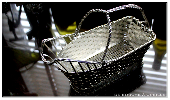porte bouteille クリストフル製 アンティークのパニエ その2 ボトルバスケット_d0184921_14334133.jpg