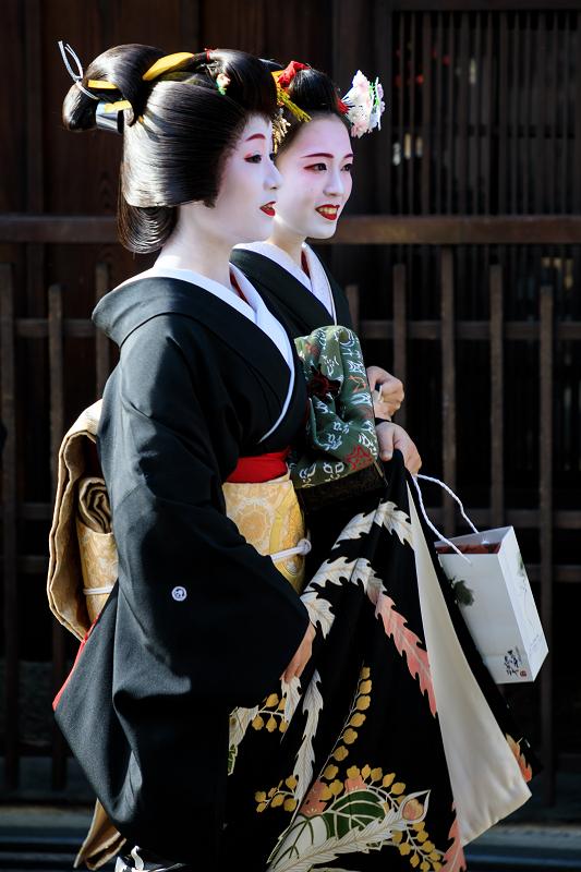 新年の挨拶回り(祇園甲部)(写真部門)_f0155048_2354757.jpg