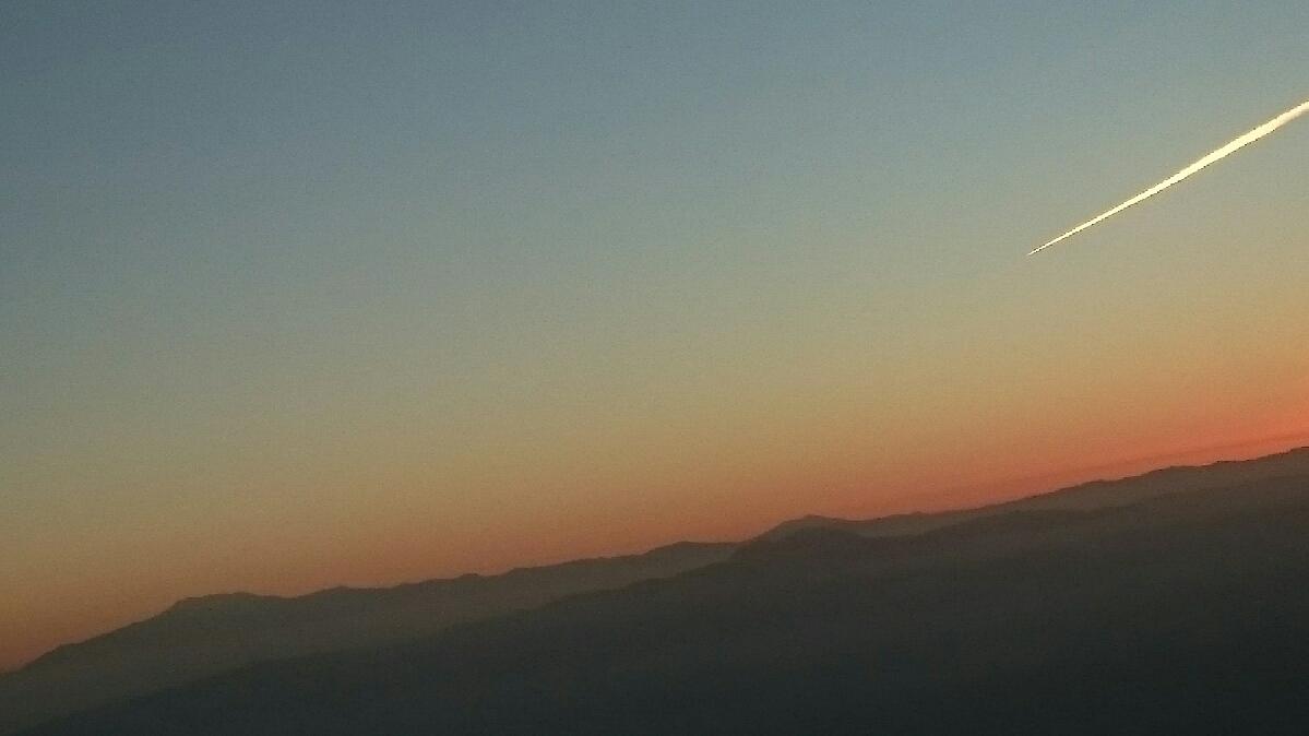 11月22日パタゴニア上空を飛んでフィッツロイ、プエルト・モレノ氷河を見下ろす_c0242406_151837.jpg