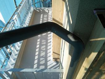 稲田堤の家の雨といの集水器は手作りです。_c0195909_15314022.jpg