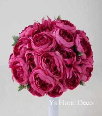 水色のドレスに 鮮やかなピンクのラウンドブーケ_b0113510_20543055.jpg