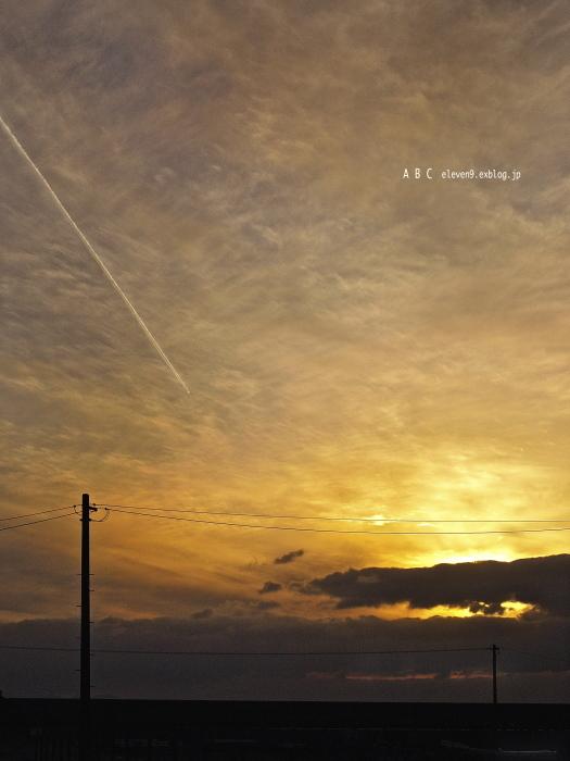 飛行機雲 (写真部門)_f0315034_14140484.jpg