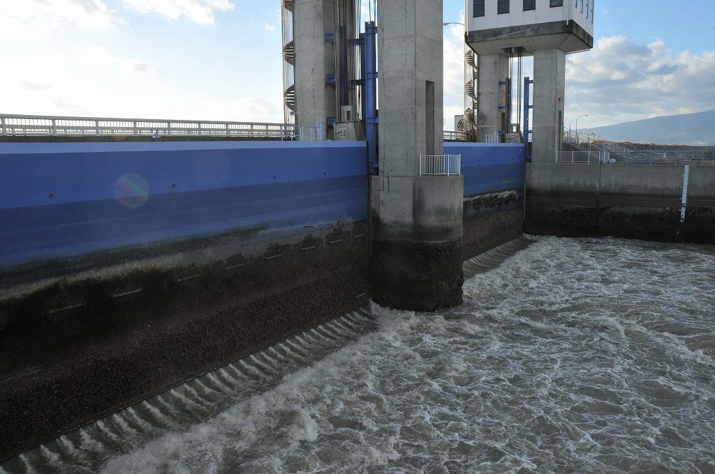 排水開門の仕組み:その1_c0052876_0502960.jpg