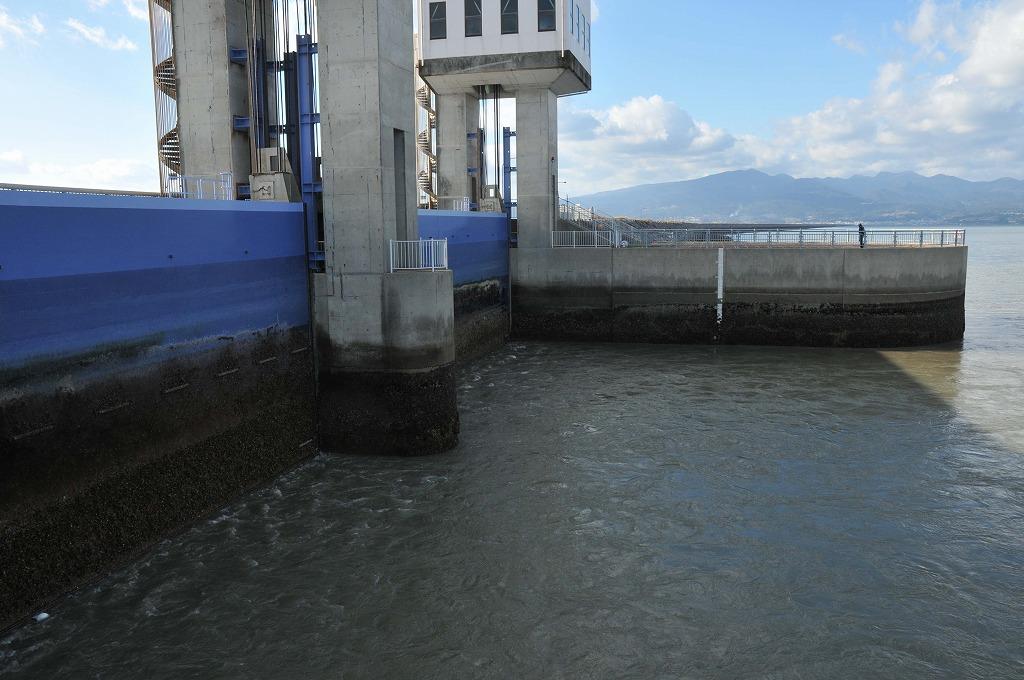 排水開門の仕組み:その1_c0052876_05086.jpg