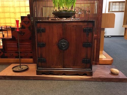 古い欅(ケヤキ)の敷板は・・_d0335577_20010751.jpg