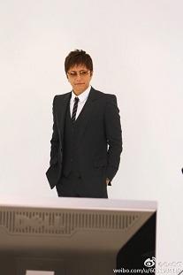 スーツ姿の素敵なGACKTさん_c0036138_1715791.jpg