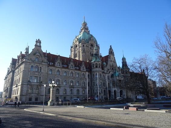 市庁舎_e0357367_21290171.jpg