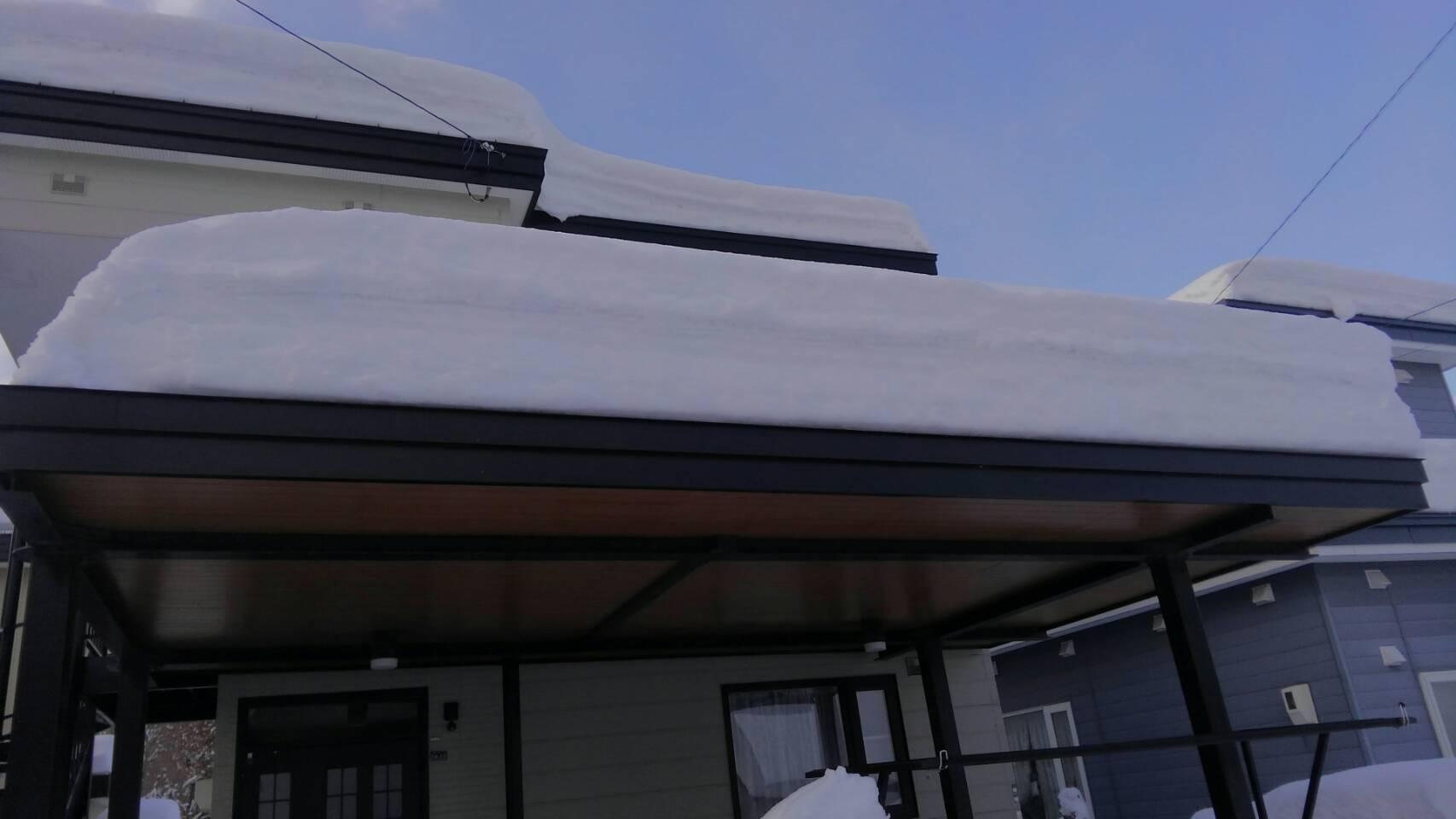 屋根の雪おろし_a0216771_17302731.jpg