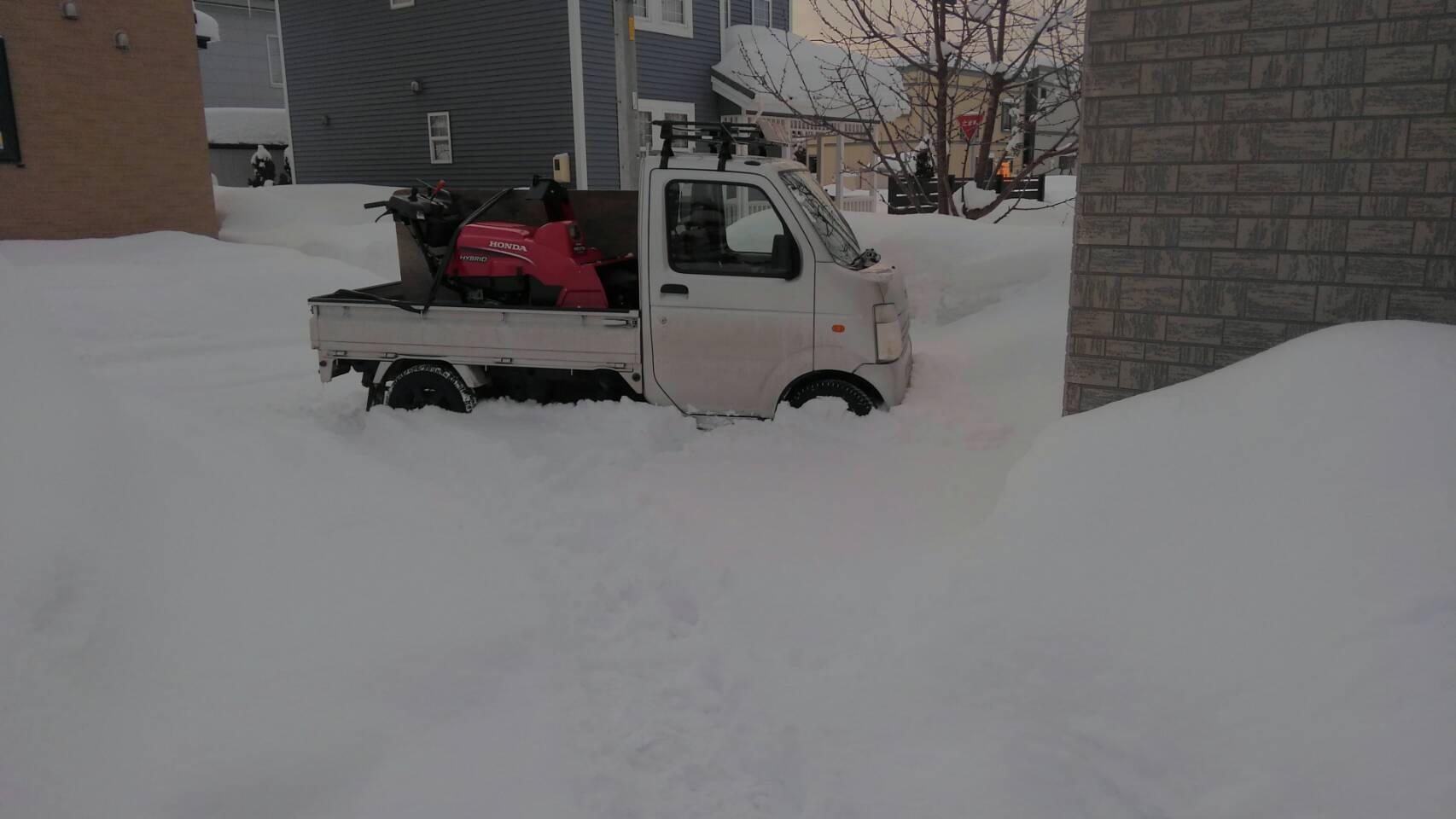 屋根の雪おろし_a0216771_17473803.jpg