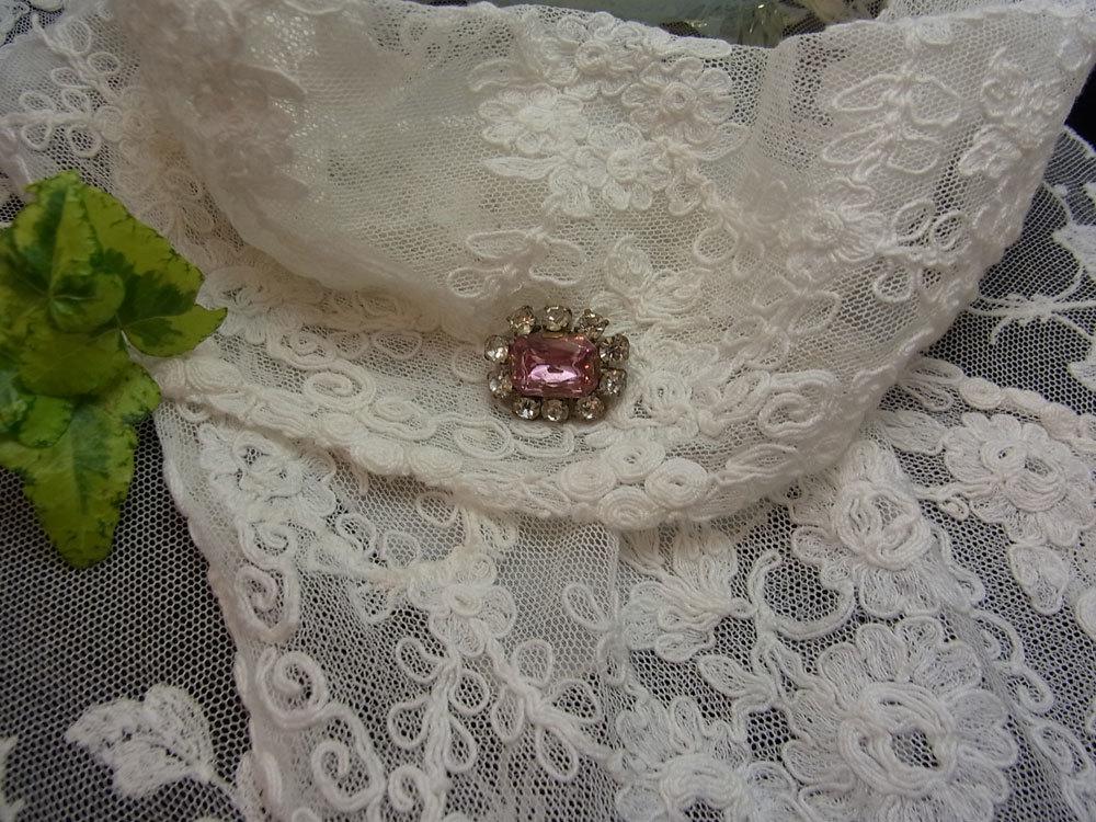 小さなピンクのブローチ_d0127182_15472623.jpg