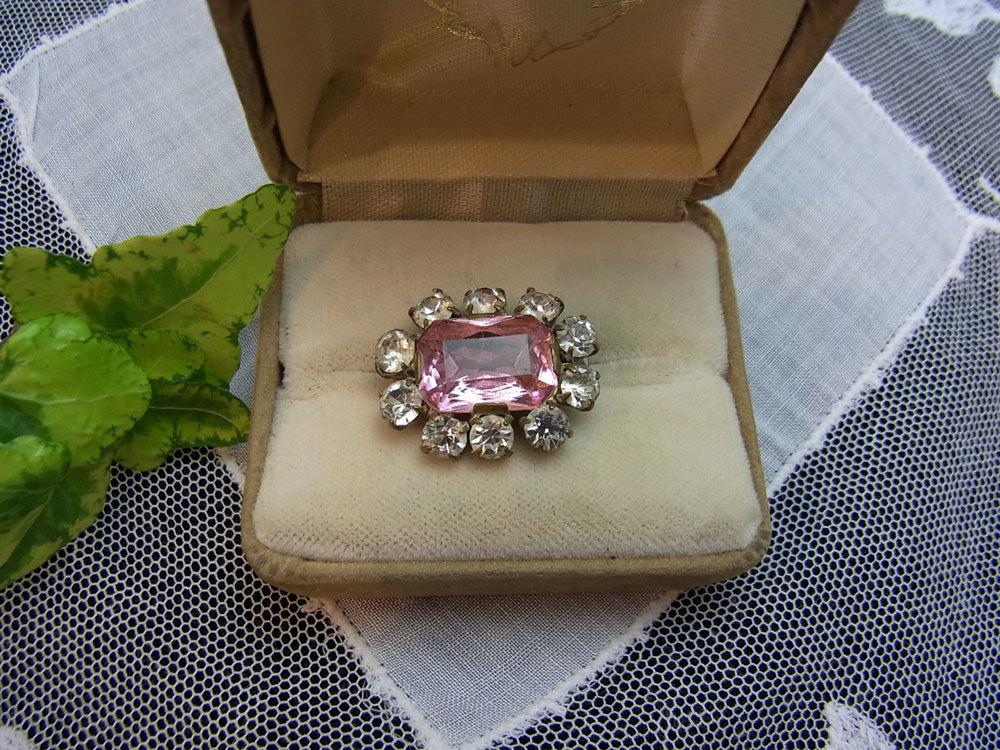 小さなピンクのブローチ_d0127182_15474456.jpg